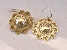 Flower Earrings chiselled brass sterling silver par elisaboutique