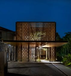 Thoughts on this house? House 24 designed by Architects: Park Associates. Edward Hendricks - Architecture and Home Decor - Bedroom - Bathroom - Kitchen And Living Room Interior Design Decorating Ideas - Architecture Résidentielle, Tropical Architecture, Amazing Architecture, Modern Residential Architecture, Modern House Design, Modern Interior Design, Tropical Houses, Facade Design, Exterior