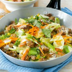 Fast pointed cabbage pan- Schnelle Spitzkohlpfanne Wintry, hearty meal with minced meat, cabbage, carrots and fresh parsley. Ready in just 25 minutes, it is guaranteed to satisfy the hunger. Healthy Meals To Cook, Clean Eating Recipes, No Cook Meals, Cabbage Recipes, Meat Recipes, Healthy Recipes, Quick Recipes, Salsa Fresca, Salud Natural