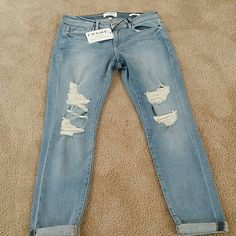 Frame Denim Le Garcons Jeans ripped Color: Blue - Stretch denim - 93% cotyon/ 6% polyester / 1% spandex - Wash cold Frame Denim  Jeans Straight Leg