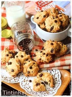Resep Vanila Chocochips Cookies Simpel Renyahh by Tintin Rayner Easy Chocolate Chip Cookies, Chocolate Chip Recipes, Chocolate Desserts, Chocolate Chips, Cake Chocolate, Cookie Recipes For Kids, Snack Recipes, Dessert Recipes, Pudding Desserts