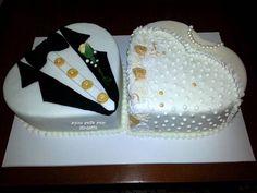 יהודית עיצובים מתוקים - שתי עוגות לב לאירוסין - עוגת טוסידו לחתן ועוגת שמלת כלה לכלה - 1782707.jpg