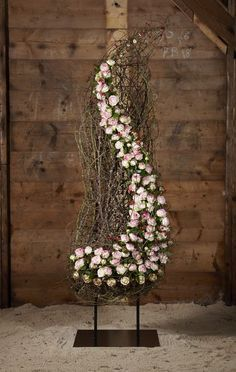 FDF - Fachverband Deutscher Floristen e. Ikebana, Deco Floral, Arte Floral, Floral Centerpieces, Floral Arrangements, Contemporary Flower Arrangements, Funeral Flowers, Flower Boxes, Fresh Flowers