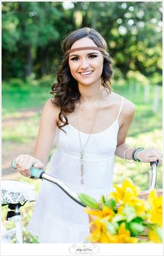 Senior picture ideas for girls , what to wear senior pictures, senior girl photo, boho vintage senior girl ideas, Tampa Senior Photographer | © Ailyn La Torre Photography 2014