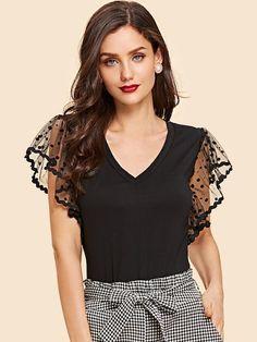 Elegante Simples Malha Contraste Preto Camisetas Look Fashion, Womens Fashion, Fashion Styles, Fashion Rings, Tee T Shirt, Plain Tees, Black Dots, T Shirts For Women, Clothes For Women