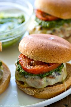 These are the best turkey burgers you'll ever try! Pesto sauce, mozzarella cheese, and juicy grilled tomatoes take them completely over the top! Pesto Mozzarella, Best Turkey Burgers, Cooking Recipes, Healthy Recipes, Easy Recipes, Healthy Meals, Grilled Tomatoes, Food Crush, Pesto Sauce