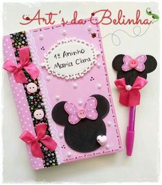 Cuaderno y pluma Minnie Foam Crafts, Diy And Crafts, Crafts For Kids, Arts And Crafts, Paper Crafts, Front Page Design, Creative Birthday Cards, Borders For Paper, Decorate Notebook