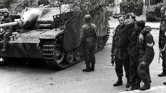 Wat je niet wist over de slag om Arnhem Drie Britse krijgsgevangenen bij een Stug III van de 9e SS Pantserdivisie in…