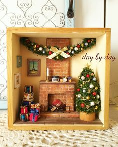 Christmas Box Frames, Christmas Shadow Boxes, Christmas Room, Noel Christmas, Disney Christmas, Christmas Tree Ornaments, Christmas Decorations To Make, Holiday Crafts, Cigar Box Crafts