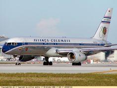 Avianca Colombia - Boeing 757-200 - N321LF - Miami International Airport