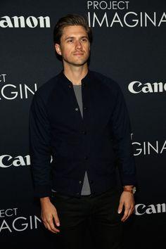Aaron Tveit - this guy is really hot!  Geeeeeez. #greaselive