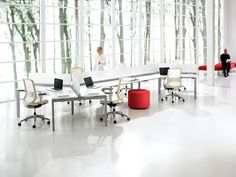 Interpret™ is a contemporary office desking system that works for virtually any person, any task, anywhere in the world. Office Desk With Hutch, L Shaped Office Desk, Desk With Drawers, Ikea Home Office, Home Office Furniture, Office Interior Design, Office Interiors, Open Concept Office, Contemporary Office