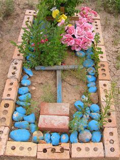 Grave near Chimayo, New Mexico...how the humble remember their dead. http://www.thefuneralsource.org/cemnorthamerica-02.html