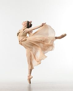 NYC Ballet Dancer by Lois Greenfield Ballet Photos, Dance Photos, Dance Pictures, Shall We Dance, Just Dance, Lois Greenfield, Hip Hop, Dance Like No One Is Watching, City Ballet