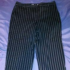 Capri pants Navy with white pinstripes women's Capri's. Liz golf Pants Capris