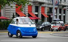 Der Microlino ist ein spannendes, hochkompaktes Elektroauto: Mit einer Reichweite von 120 Kilometern und einer Maximalgeschwindigkeit von 90 km/h ist der sparsame Zweisitzer das ideale Stadtauto. Hier alle Bilder.