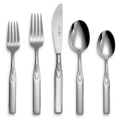 Henckels International Rapture Flatware Set is crafted from polished stainless steel flatware and features an attractive teardrop design. The second teardrop is frosted adding an eye-catching touch. Gold Flatware, Flatware Set, Cutlery, Stainless Steel Dishwasher, Stainless Steel Flatware, Live In Style, Home Remodeling, Dining, Tableware