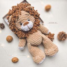 Crochet Cow, Crochet Teddy, Crochet Mouse, Cute Crochet, Easter Crochet, Crochet Crafts, Crochet Dolls, Yarn Crafts, Crochet Projects
