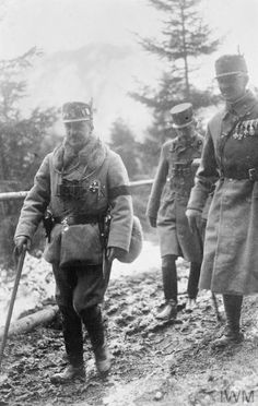 WWI, 1917, Austro-Hungarian Archduke Joseph August & his party on the way to the trenches, Romanian Campaign. ©IWM