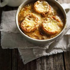 French onion soup is a comfort food classic, and this recipe is our absolute best! Mushroom Barley Soup, Red Lentil Soup, Wine Recipes, Soup Recipes, Cooking Recipes, Cocktail Recipes, Curry Ramen, Healthy Food Alternatives, Food Experiments