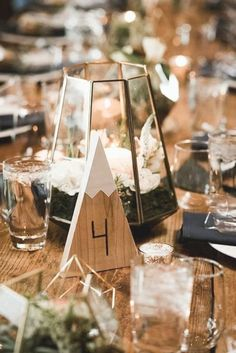 Candle Wedding Centerpieces, Wedding Table Centerpieces, Wedding Flower Arrangements, Centerpiece Flowers, Centerpiece Ideas, Diy Candles, Ski Wedding, Our Wedding Day, Rustic Wedding
