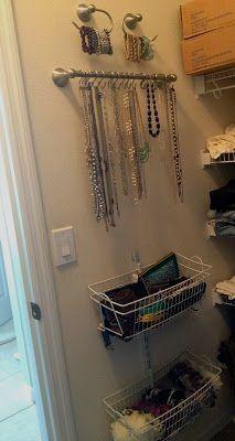 Arrowhead Necklace Badezimmer Ideen Aufbewahrung Handtucher Zelda Necklace Zimmerausstattung Kleiderschrankorganisation Und Badezimmer Schrank Organisation