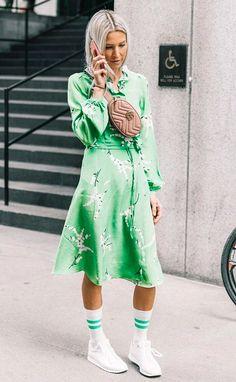 Stylish Look Green Midi Dress Plus Bag Plus High Socks Plus Sneakers - Women's Style - Outfits Sneakers Retro, Dress With Sneakers, Dad Sneakers, White Sneakers, Sneakers Adidas, Sneakers Sale, Classic Sneakers, Look Fashion, Girl Fashion