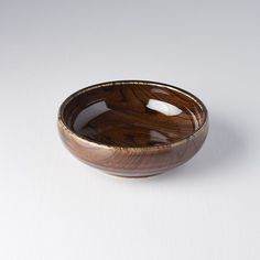 This bowl is very popular now! Because its open-closed shape, middle size and interesting wood-like glaze 😎 Like or not? Bowl Designs, Serving Bowls, Glaze, Decorative Bowls, Middle, Japan, Ceramics, Popular, Shapes