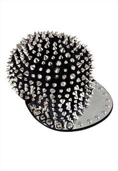 Spikes and Studded Snapback. heavy metal glamour right here. better not butt your boyfriend with that. Black Snapback, Snapback Cap, Emo Fashion, Fashion Hats, Summer Hats, Winter Hats, Studs And Spikes, Gothic Vampire, Hip Hop Hat
