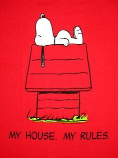 ❤️🙃😜🐶👅👀𗂁🙀My house 📺𗁭❣️💻🕶💯🥊🍄🎸𗀉🎷My rules! And if ya don't like it, SEE YA Yesss dearest Snoopy 🐾𗁭💋❤️😘 Meu Amigo Charlie Brown, Charlie Brown And Snoopy, Snoopy Love, Snoopy And Woodstock, Peanuts Cartoon, Peanuts Snoopy, Peanuts Characters, Cartoon Characters, Cartoon Pics