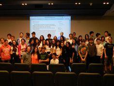 Os alunos do 9° ano do Colégio I. L. Peretz lançaram na última sexta-feira (22/11), um aplicativo 'Ditadura na Memória' sobre o período da D...