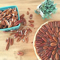 Hoy en el blog: Apple Pecan Pie  Esta vez una receta con un poco mas de pasos que las anteriores, pero vale la pena. Entren a  www.kekukis.com.ar que ahí esta la receta. #pecanpie #pecan #apple #pie #kekukis #pastry