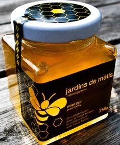 Les Jardins de Métis lancent leur première récolte de miel avec Le Vieux Moulin de Sainte-Flavie!