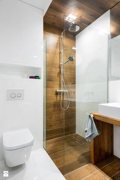 Looking for shower tile ideas for your bathroom? Here we've collected stunning shower tile ideas to help you decorating your bathroom. Wood Bathroom, Bathroom Layout, Bathroom Colors, Bathroom Ideas, Bathroom Showers, Bathroom Organization, Tile Layout, Restroom Ideas, Bathroom Mirrors