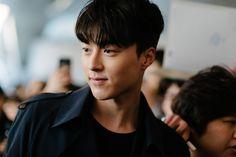 Street style: Jang Ki Yong at Seoul Fashion Week Fall 2015 shot by Alex Finch