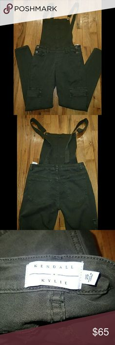 Kendall and Kylie Green Overalls Size 25 - New Brand new, never worn, no damage. Kendall & Kylie Jeans Overalls