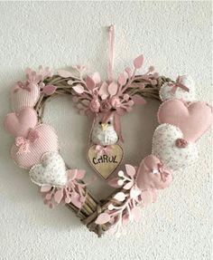 icu ~ Hacer corazones de tela by katheryn Valentine Wreath, Valentine Day Crafts, Valentine Decorations, Christmas Decorations, Valentines, Heart Decorations, Pink Christmas, Christmas Wreaths, Christmas Crafts