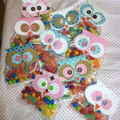 for a baby shower theme cant wait I have one more sister in law to go she's due in december Owl Themed Parties, Owl Birthday Parties, Birthday Favors, Party Favors, Owl Snacks, Owl Treats, Owl Shower, Shower Bebe, Baby Shower Favors