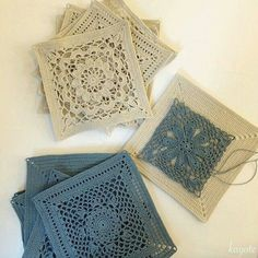 japanese crochet squares as coasters Crochet Square Patterns, Crochet Motifs, Crochet Blocks, Crochet Squares, Thread Crochet, Crochet Doilies, Crochet Stitches, Crochet Coaster, Crochet Granny