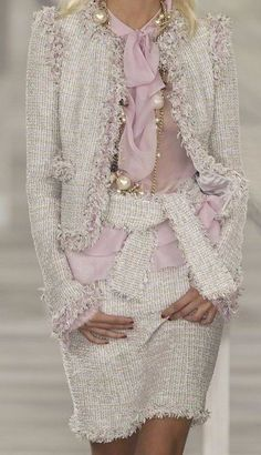 66 New ideas moda chic chanel haute couture Chanel Couture, Couture Fashion, Runway Fashion, Womens Fashion, Fashion Trends, Ladies Fashion, Milan Fashion, Chanel Fashion Show, Look Fashion