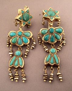 Iran | Earrings; 22k gold,turquoiseand pearls. These old earrings are the work of a Jewish goldsmith | 2995€