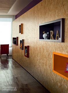 A versatilidade do OSB - Leia mais no link anexado Chipboard Interior, Plywood Interior, Garage Interior, Deco Design, Küchen Design, House Design, Osb Plywood, Osb Board, Oriented Strand Board