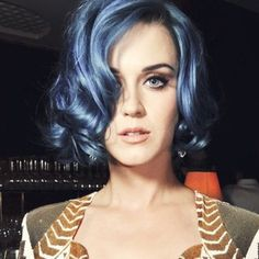 katy perry - make up, hair Katy Perry Hot, Katy Perry Pictures, Russell Brand, Female Singers, Pop Singers, My Idol, Locks, Hair Inspiration, My Hair