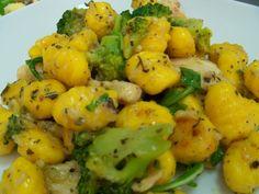 Gnocchi cu pui si broccoli