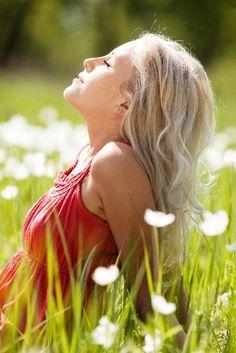 Good Senior girl pose- Feel the warm sunshine.