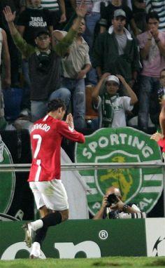Cristiano Ronaldo, Portugal. Cristiano marca gol contra o seu ex clube, Sporting Lisboa e não comemora. Liga dos Campeões da Europa.