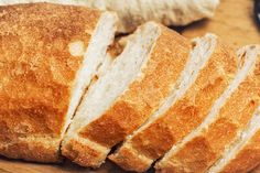 What is 'autolysis' and how does it work? Let's figure it out together – so we can make bread without yeast!Maybe you can't find brewer's yeast at the supermarket. Brewers Yeast Bread Recipe, Yeast Bread Recipes, Making Bread Without Yeast, How To Make Bread, Italian Bread Recipes, Italian Dishes, Scones, Easy Cooking, Cooking Recipes