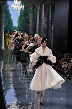 fuglyshygirl:    Christian Dior Haute Couture Fall 2008