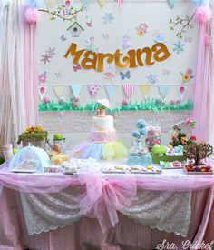 Fiesta de Hadas y duendes. Un cumpleaños mágico. Un bosque encantado y un jardín de la hadas se convierten en el escenario ideal para la fiesta de cuento.