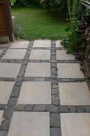 diy waschbetonplatten versch nern diy concrete stepping stones makeover garden berliner. Black Bedroom Furniture Sets. Home Design Ideas